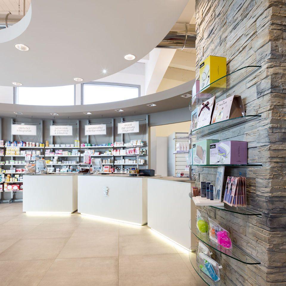 Arredamenti per farmacia le realizzazioni th kohl th kohl for Bottigelli arredi farmacia