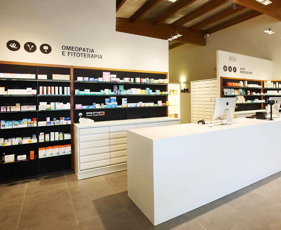 Linea di arredamento farmacie europa di th kohl for Kohl arredamenti farmacie