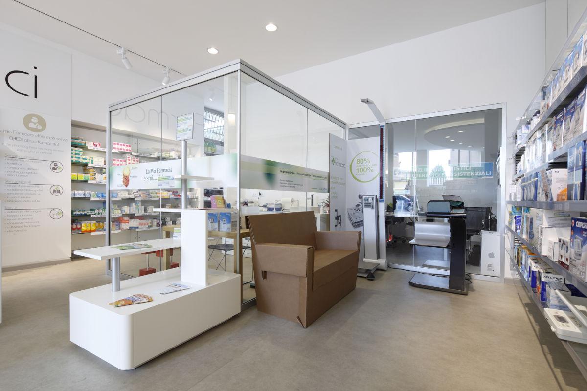 La mia farmacia oreglia realizzazioni th kohl for Kohl arredamenti farmacie