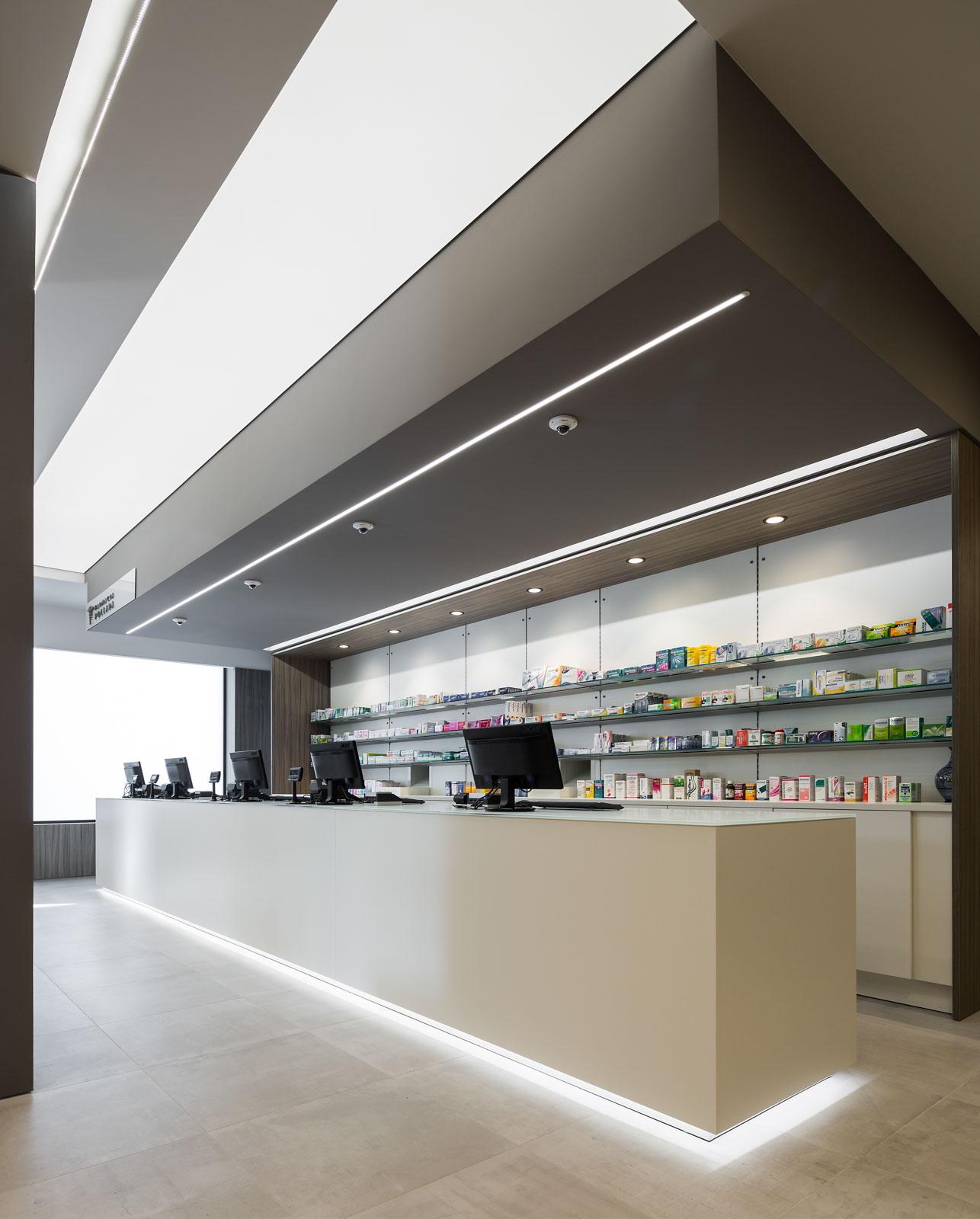 Farmacia pollara realizzazioni th kohl for Kohl arredamenti farmacie