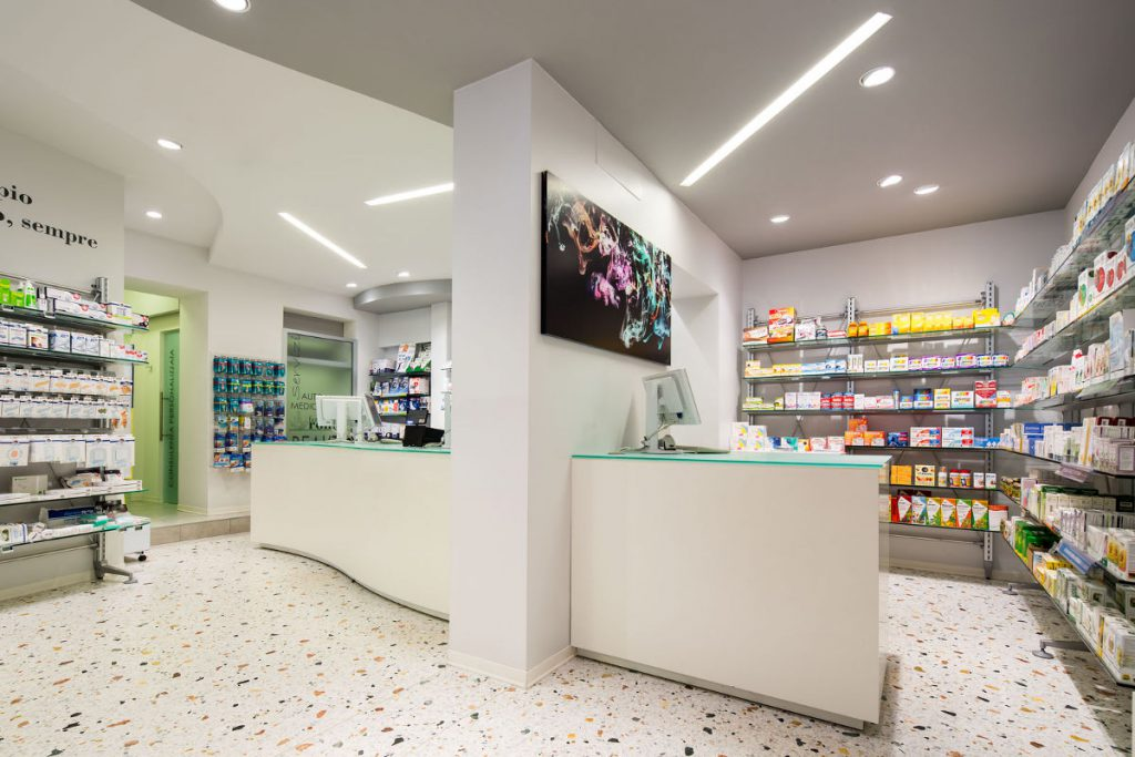 Bancone prescrizioni Farmacia All'Esculapio dott. Romor