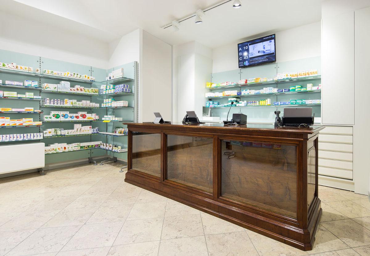 Farmacia zarri realizzazioni th kohl for Kohl arredamenti farmacie