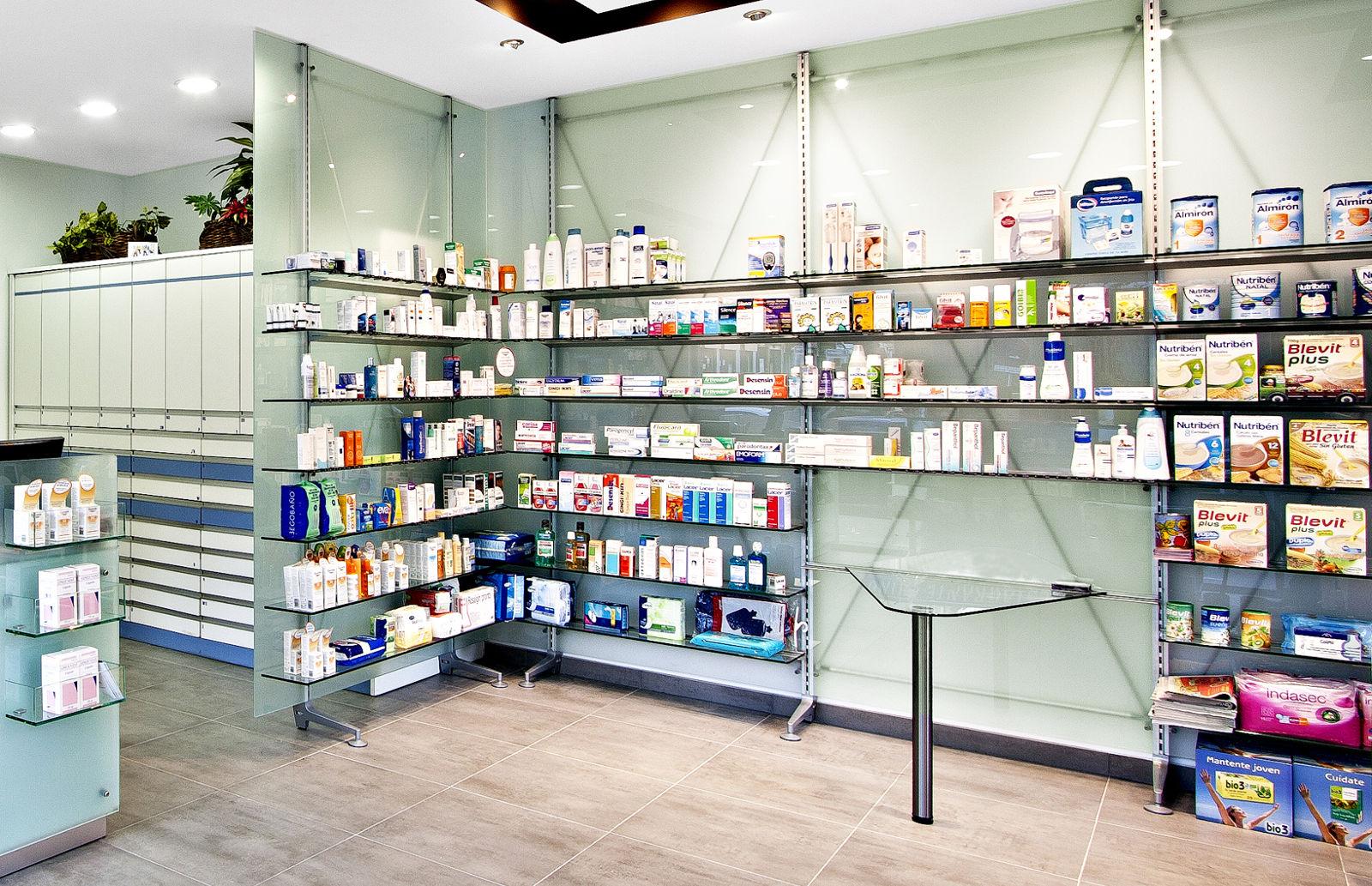 Linea di arredamento farmacie xf di th kohl th kohl for Kohl arredamenti farmacie