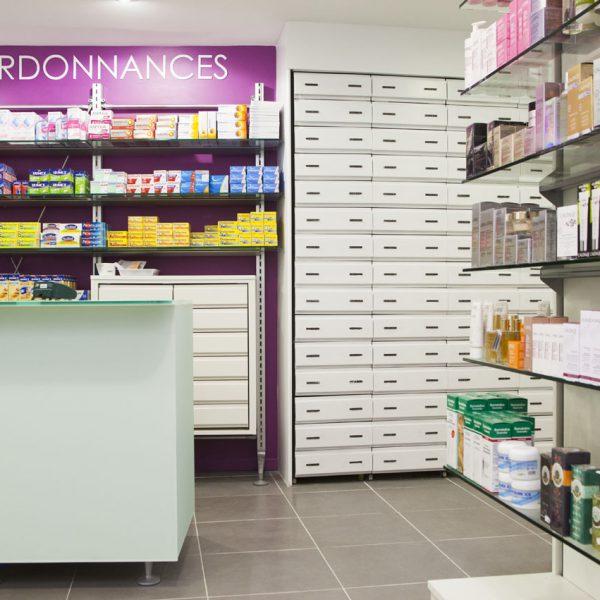 Pharmacie de ch zy realizzazioni th kohl for Kohl arredamenti farmacie