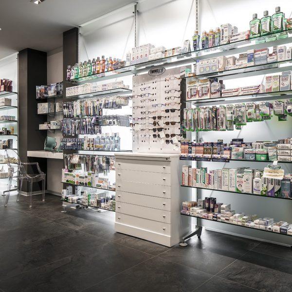 Farmacia De Cecco, Anguillara - reparti
