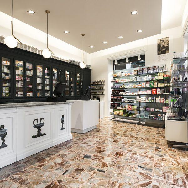 Farmacia Internazionale Storari, Gardone Riviera (BS) - panoramica farmacia