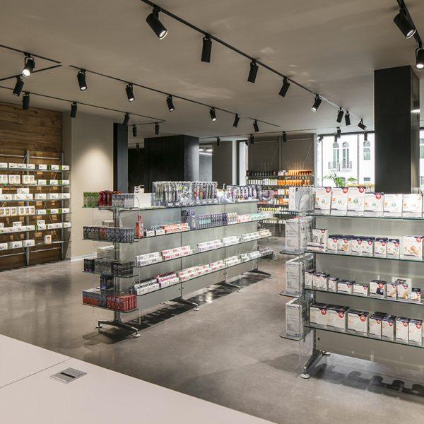Farmacia All'Angelo dott. Carmignoto, Fontaniva (PD) - vista dal bancone