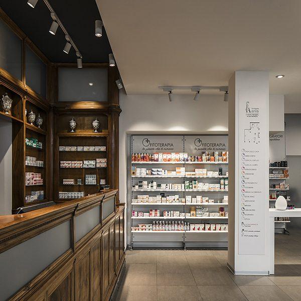 Farmacia Ariis, Udine - vista sul bancone