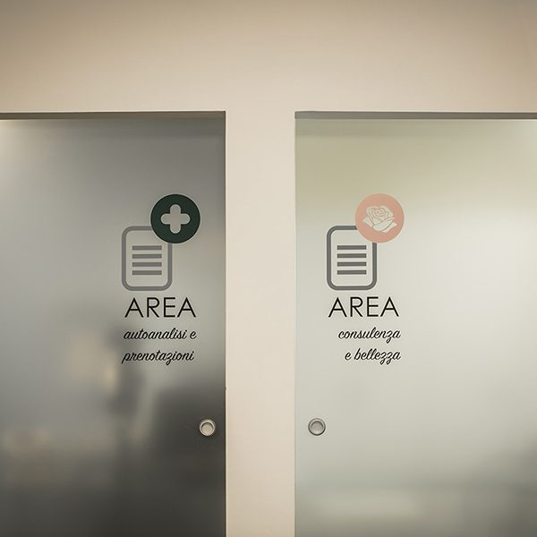 Farmacia Ariis, Udine - cabine servizi