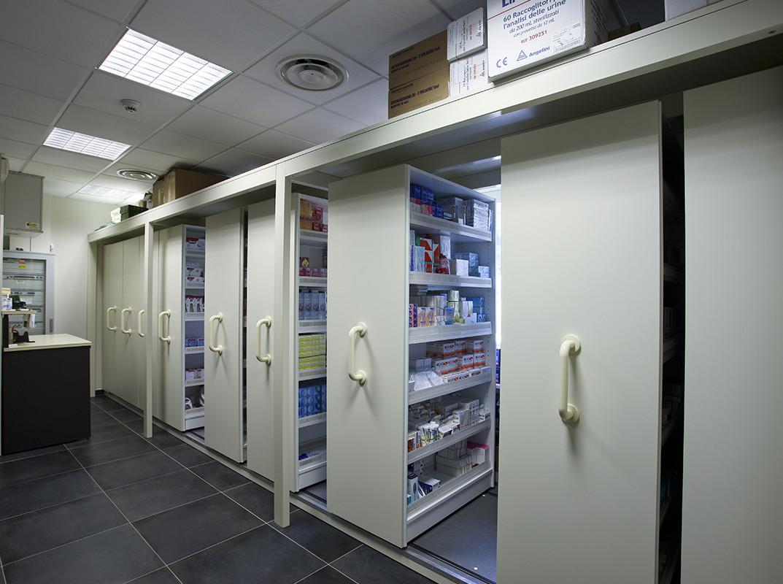 Arredamenti farmacie banchi e mobili per farmacie for Arredamenti farmacie