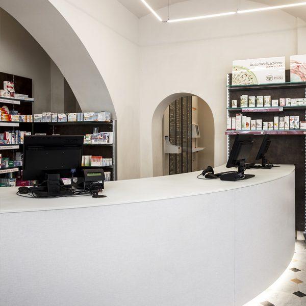Farmacia Capovilla dr.ssa Capovilla, Imperia - vista robot
