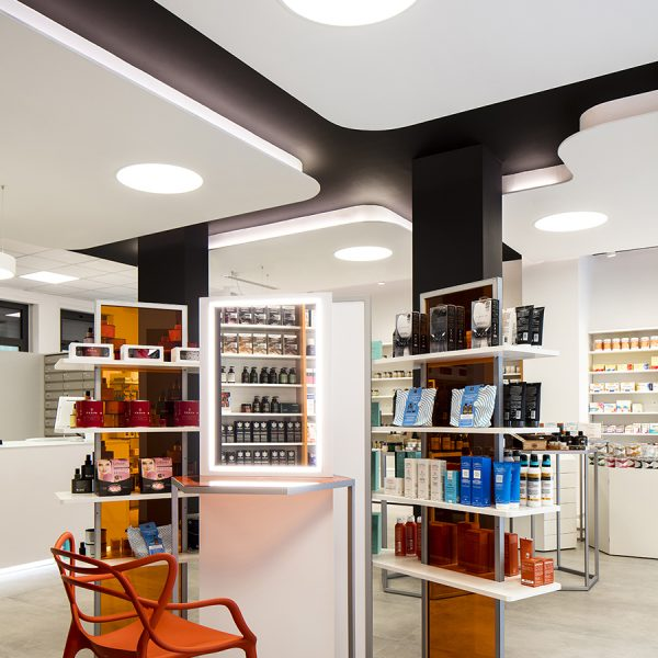 Farmacia Filippi, Erba - angolo dermocosmesi