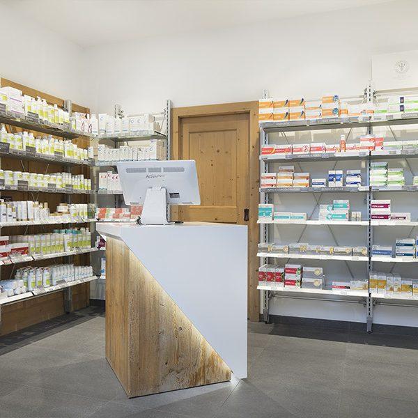 Farmacia Apoteca Corvara - banchetto