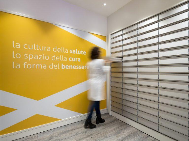 Farmacia Bocchetti, Comiso - arredi tecnici: cassettiere